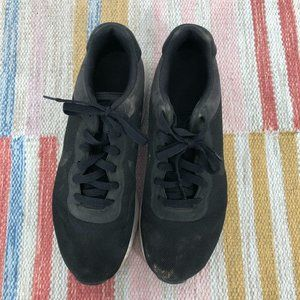 Nike Shoes - Nike Air Black Tennis Shoes Size 9